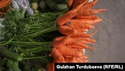 Узбекистанцы говорят, что не могут вспомнить, чтобы морковь стоила непривычно дорого.