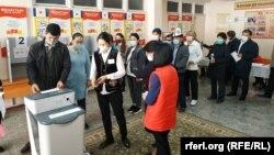 В день голосования на парламентских выборах в Кыргызстане 4 октября 2020 года.