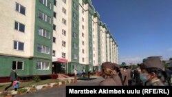 Коргоо министрлиги жана Чек ара кызматы үчүн курулган үй. Ош, Кыргызстан. 28.05.2021