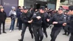 Polis MSK qarşısında aksiyanı belə dağıtdı (Yekun video)