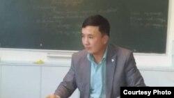 Султанбек Момунов.