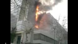 Bakının mərkəzində yaşayış binasının bir hissəsi yandı