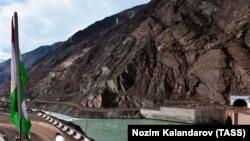 Одна из стройплощадок Рогунской ГЭС