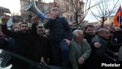 Armenia -- Opposition leader Ishkhan Saghatelian addresses protesters outside the parliament building in Yerevan, March 9, 2021.