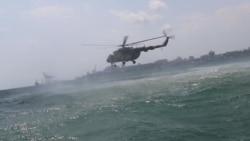«Sea Breeze-2016» морські прикордонники відпрацьовують безпарашутне десантування з гелікоптеру у відкрите море
