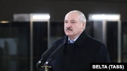 Олександр Лукашенко заявив, що проти Білорусі «працюють найпотужніші спецслужби світу», у тому числі США, які «створили центр у Києві»