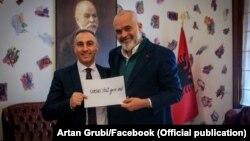 Македонскиот вицепремиер Артан Груби на средба со албанскиот премиер Еди Рака, Тирана 23 март 2021
