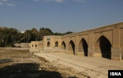 وضعیت زایندهرود در شهر اصفهان، تیر ۱۴۰۰