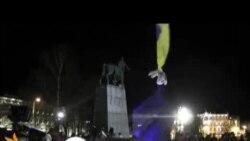 Українці пікетують Вільнюський саміт