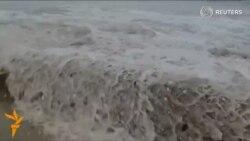 Перу қирғоқларига етти метрлик тўлқин урилди