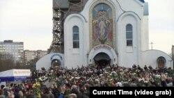 Илјадници луѓе се простија од убиениот белоруски антивладин демонстрант