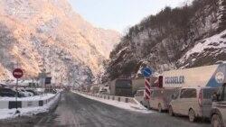 Паралич дороги. Больше тысячи грузовиков ждут проезда в Грузию