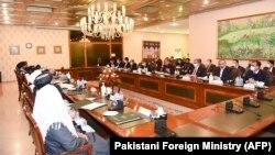 دیدار شاه محمود قریشی وزیر خارجه پاکستان با هیئت دفتر سیاسی گروه طالبان در اسلام آباد. December 16, 2020