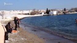 Севастополь: крещенские купания под марши военного оркестра (видео)