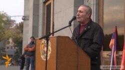Ազատամարտիկները պահանջում են նախագահի հրաժարականը