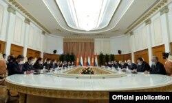 Встреча Садыра Жапарова и Эмомали Рахмона в расширенном формате, 29 июня 2021 г.