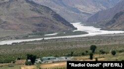 Участок таджикско-афганской границы в районе Шамсиддин Шохин