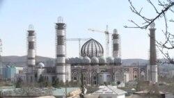 Сарозер шудани 8 бинокор аз гунбази Масҷиди бузурги Душанбе