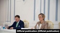 БУУнун Өнүктүрүү программасынын Кыргызстандагы туруктуу өкүлү Луиз Чемберлен
