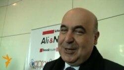 """Çingiz Abdullayevin """"imza günü"""" 2 saatdan çox davam edib"""