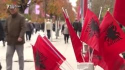 Në festa me dy flamuj