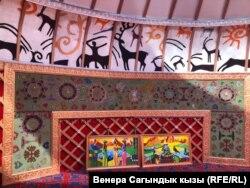 Меценат Ташкул Керексизовдун Түп районунун Талды-Суу айылына салган маданий комплекси.