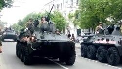 Танки, «Юнармія» та радянські пісні: в Севастополі репетирують парад до 9 травня (відео)