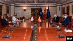 Американската амбасадорка во Северна Македонија, Кејт Мери Брнс, на прва средба со премиерот Зоран Заев по формирањето на новата Влада