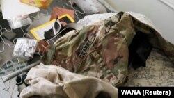 Униформа на американската армија лежи меѓу другите објекти во воздухопловната база Баграм во Парван, Авганистан, 23 септември 2021.