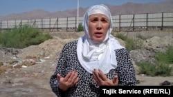 Рафоат Хошимова, жительница Худжанда, дом которой ушел под снос.