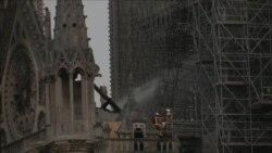 Ugašen požar na katedrali Notre Dame