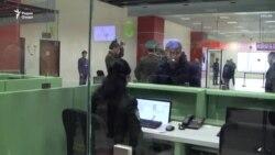 Чаро таби мусофиронро дар фурудгоҳи Душанбе месанҷанд?