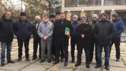 Aqmescitteki mahkeme «Veciye Kaşka davasınıñ» oturışuvını başqa künge avuştırdı (video)