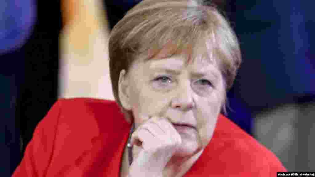 ГЕРМАНИЈА - Германија повторно го обвини Минск дека ги користи бегалците како политичкa алаткa, бидејќи Европската Унија вети дека ќе ја зајакне границата на блокот со Белорусија за да го спречи напливот на илегални премини.