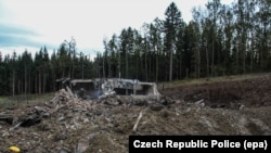 Фото с места взрывов, предоставленное полицией Чехии