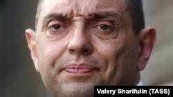 Српскиот министер за одбрана Александар Вулин