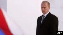 В три часа дня самолет с Путиным приземлился в Ижевском аэропорту, откуда его прямым ходом повезли в свинокомплекс «Восточный»
