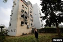 Жилой дом в Ашкелоне после попадания ракеты из сектора Газа