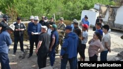 Улукбек Марипов жаңжал болгон аймакта. 3-май, 2021-жыл.