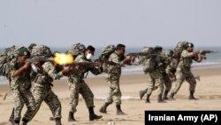 نیروهای امنیتی در ایران