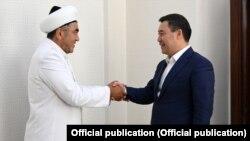 Кыргызстандын муфтийи Замир Ракиев президент Садыр Жапаров менен жолугушту.