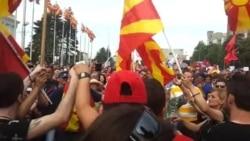 Весело на протестот во Скопје