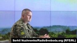 За словами Залужного, заради стандартів НАТО в Україні були розділені керівні посади в ЗСУ: головнокомандувача ЗСУ, начальника Генштабу ЗСУ, командувача ООС