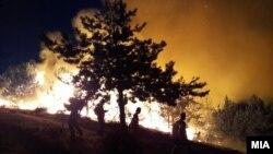 Zjarret në rajonin e Pehçevës në Maqedoni të Veriut më 5 gusht 2021.