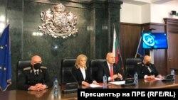 Bolqarıstan baş prokurorluğunun sözüsü Siika Mileva mətbuat konfransında
