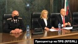 Военно-апелативният прокурор Елин Алексов, говорителката Сийка Милева и главният прокурор Иван Гешев