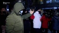 Mbështetësit e LVV-së festojnë në rrugë