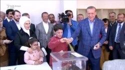 Votuesit turq miratojnë ndryshimet kushtetuese