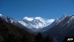 Монт Еверест