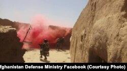 نیرهای افغان در جریان عملیات نظامی